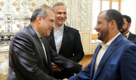 Zarif's assistant talks with Yemen's Ansarullah spokesman